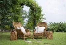 Balkonowe meble z drewnianych palet