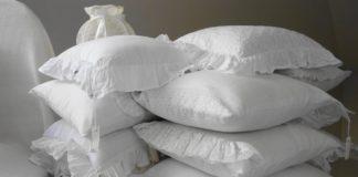 Jakie poduszki wybrać? Z pierzem, łuskami czy lateksem?
