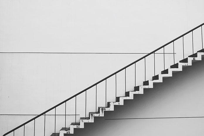 Balustrady schodowe - jak dopasować je do wystroju wnętrza?