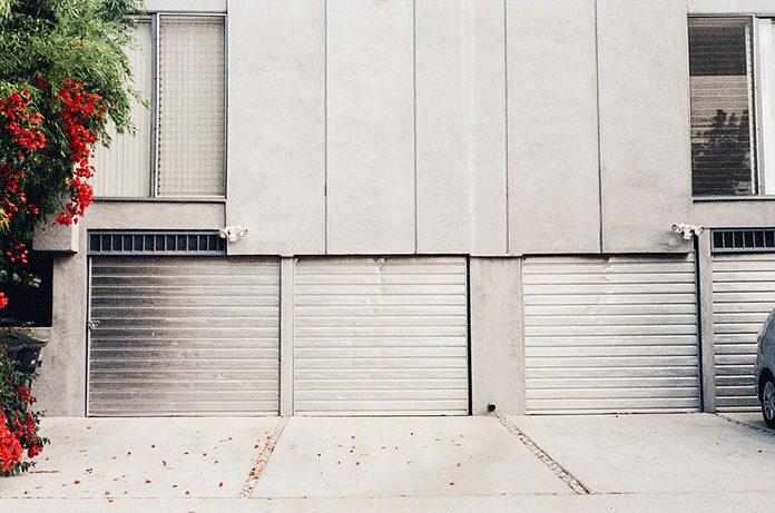 Popularne rodzaje bram garażowych